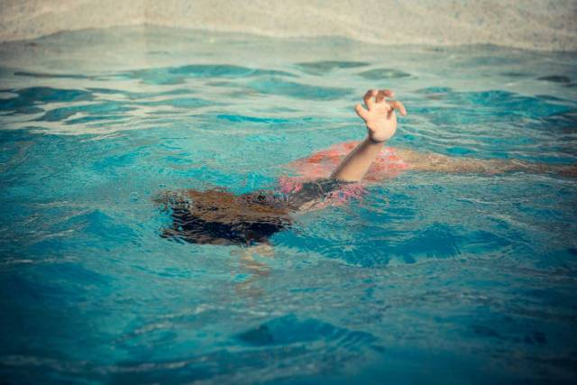 Reviving-Someone-who-has-Drowned